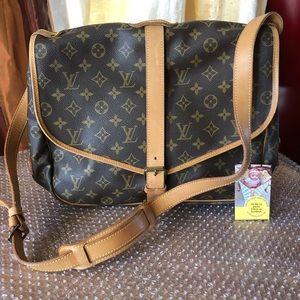 Saumur 35 Louis Vuitton Monogram Crossbody Bag